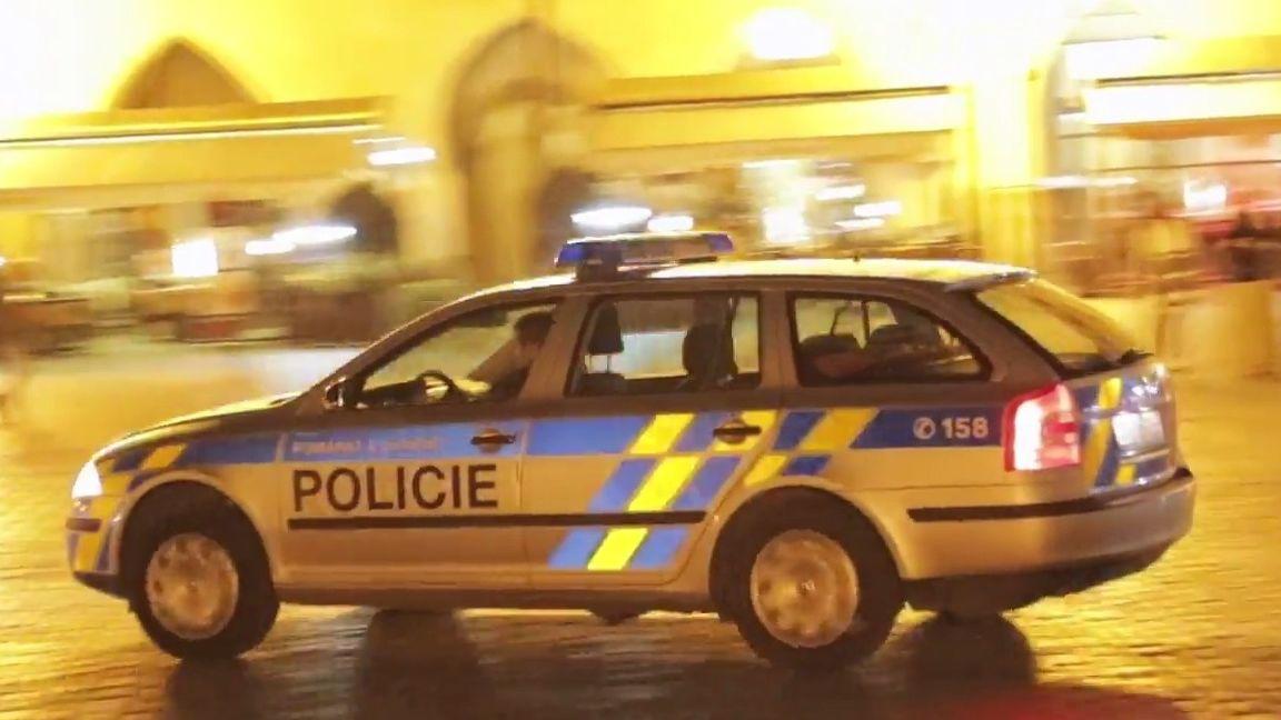 Černota: Co udělají policisté na Václaváku, když jim nahlásíte drogové dealery? Tohle