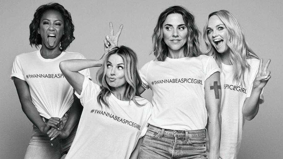 Charita, co se nepovedla. Trička Spice Girls bojují za svět bez chudoby, ušily je ale vykořisťované švadleny