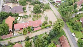 Velká voda bude škodit ještě týdny. Některým obcím znečistila zdroje pitné vody