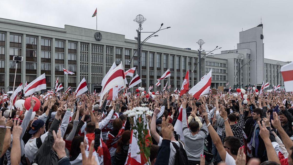Pod dohledem policie a sovětských hitů. Protesty vMinsku na vlastní kůži