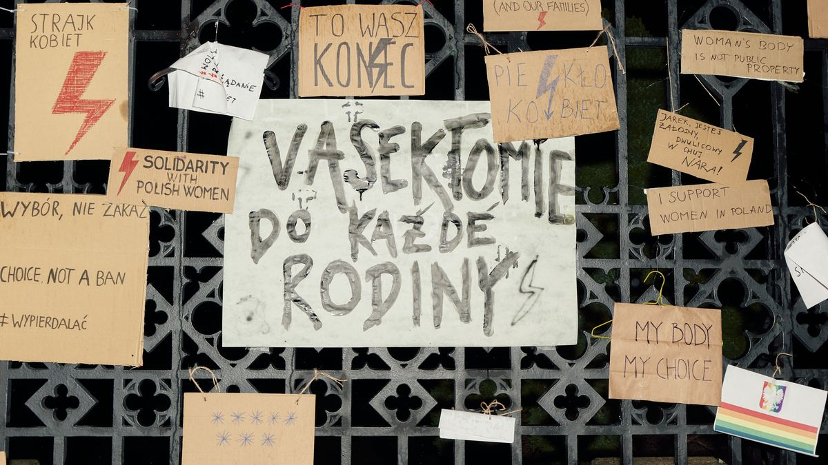 Obrazem: VPraze se demonstrovalo proti zákazu potratů vPolsku