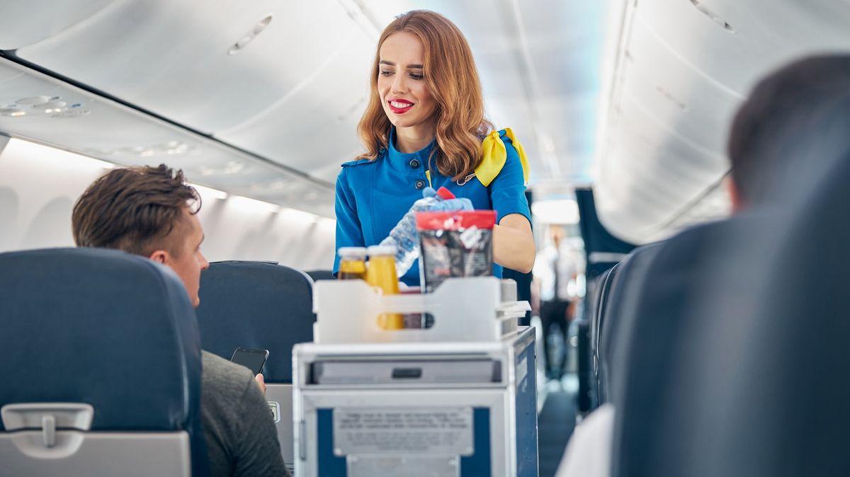 British Airways spustily výprodej. Vnabídce je nápojový vozík nebo papuče