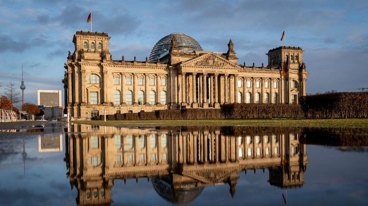 Němci chytili špiona, co předal Rusům plány Bundestagu