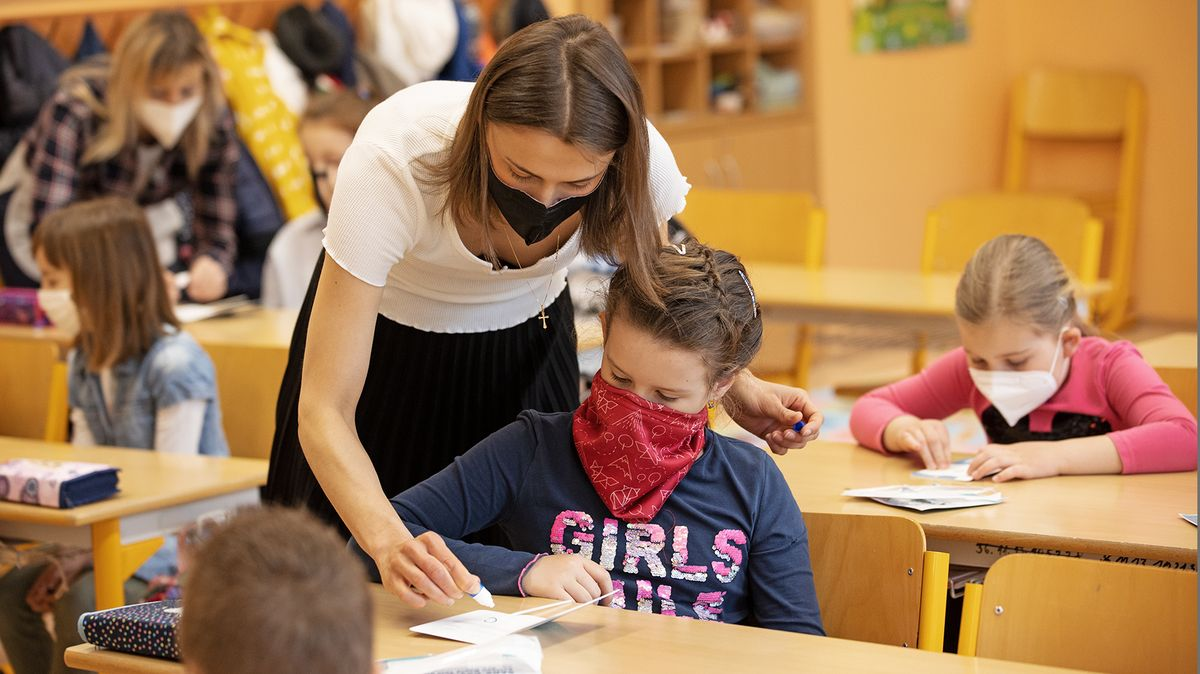 Názorový veletoč: Školáci se už testovat nebudou. Testy stejně nepřišly