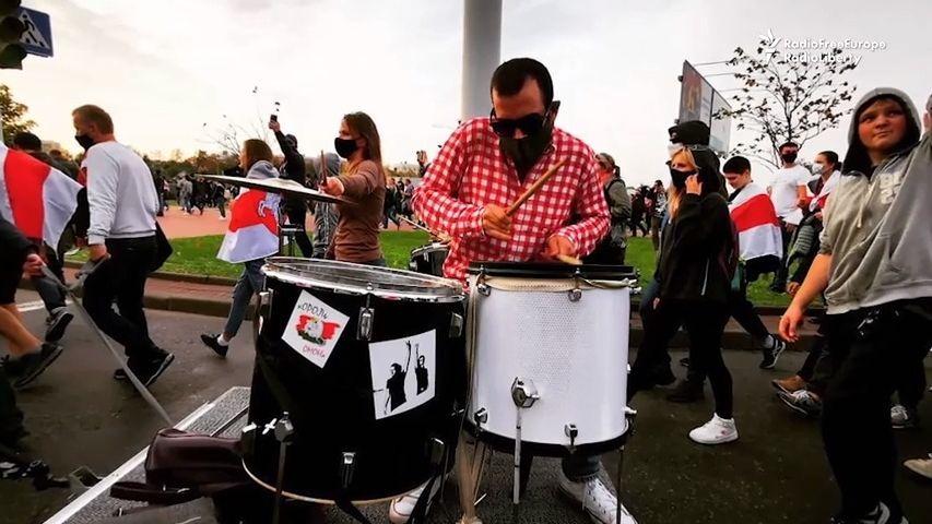"""""""Učil jsem se rytmus."""" Běloruský bubeník skončil na šest let ve vězení"""