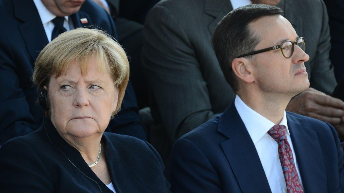 Bude se Kaczyńskému stýskat po Merkelové? Kancléřka se loučí ve Varšavě