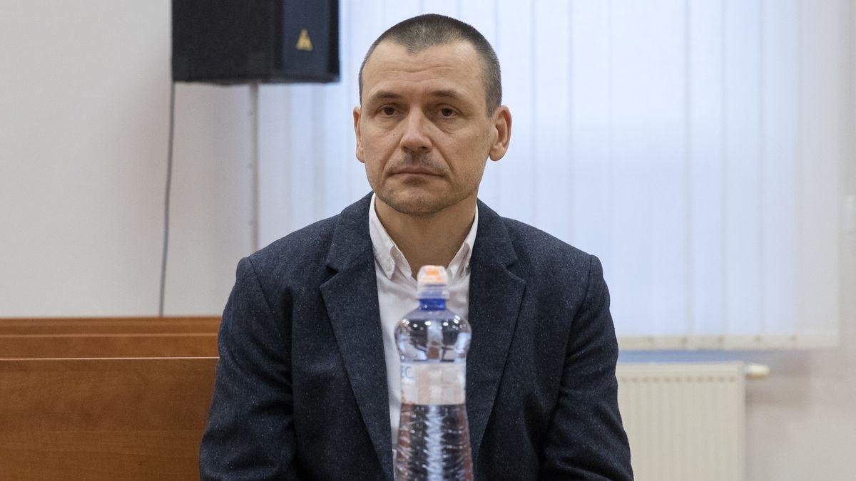 Slovenským novinářům hrozí vězení za vyzrazení utajované informace