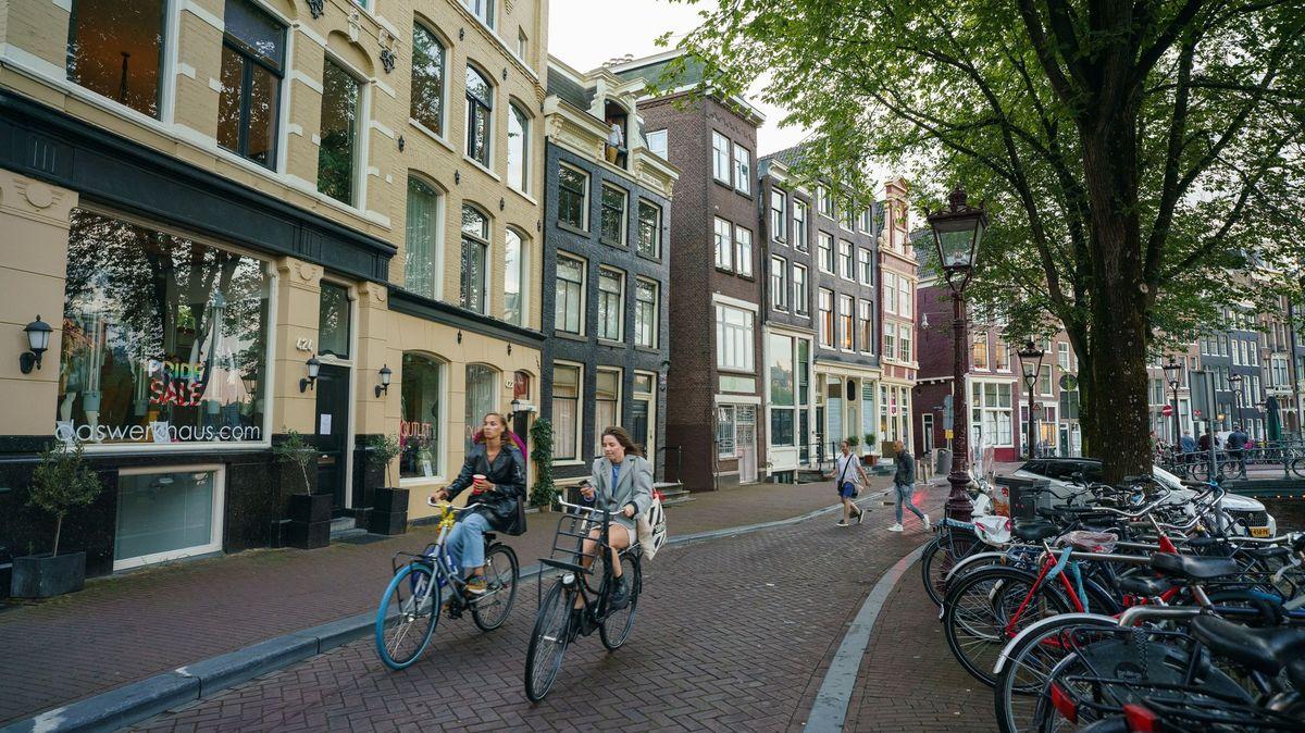 Nejvyšší národ světa se začal zmenšovat. Holanďané řeší proč?