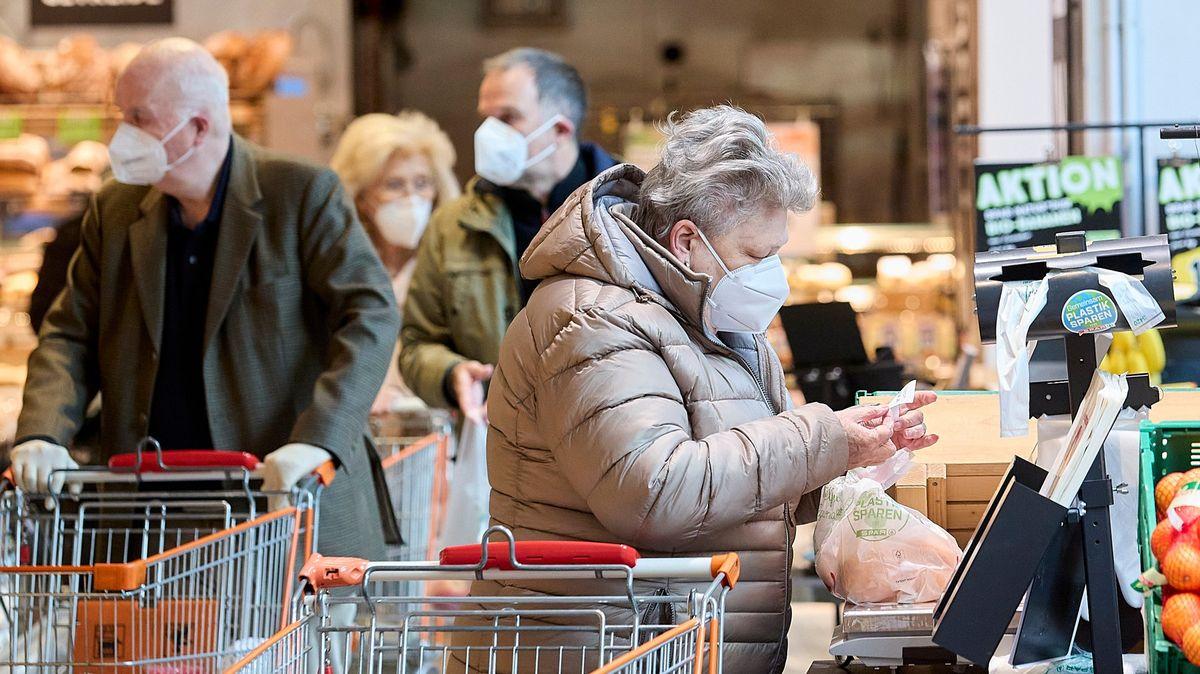 Rakousko zavede tvrdší restrikce jen pro neočkované