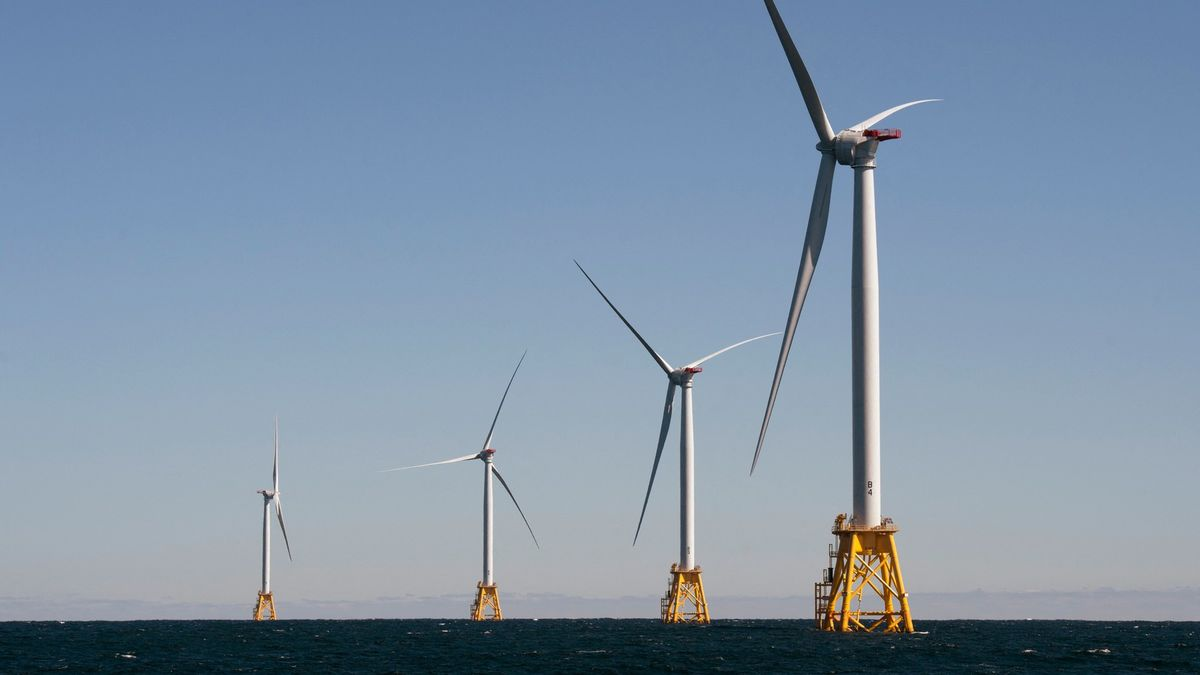 Bidenova vláda myslí na klima. Postaví větrníky podél téměř celého pobřeží