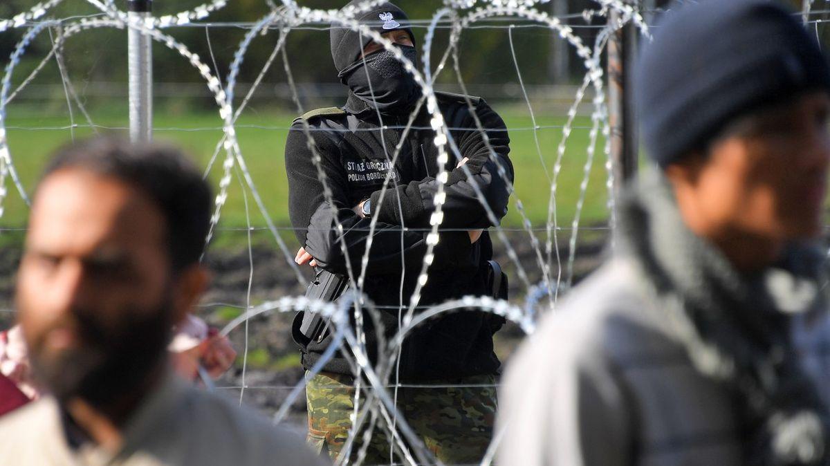 Ať EU postaví ploty na hranicích na ochranu před migranty, žádá 12států