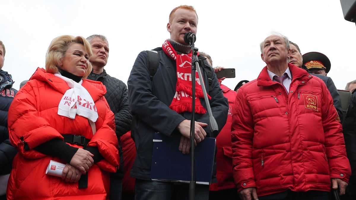 """""""Ukradli nám volby,"""" skandovaly stovky ruských komunistů vMoskvě"""