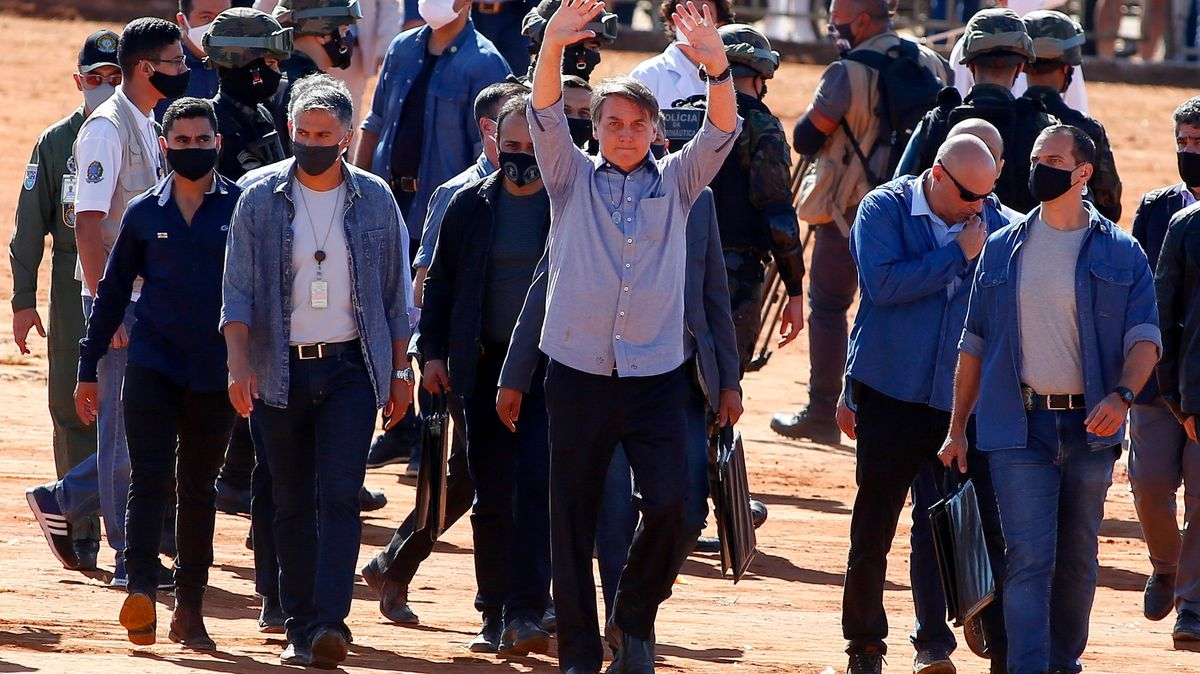 Bolsonaro hrozí vystoupením zWHO: Do zvládání covidu nám nemají co mluvit