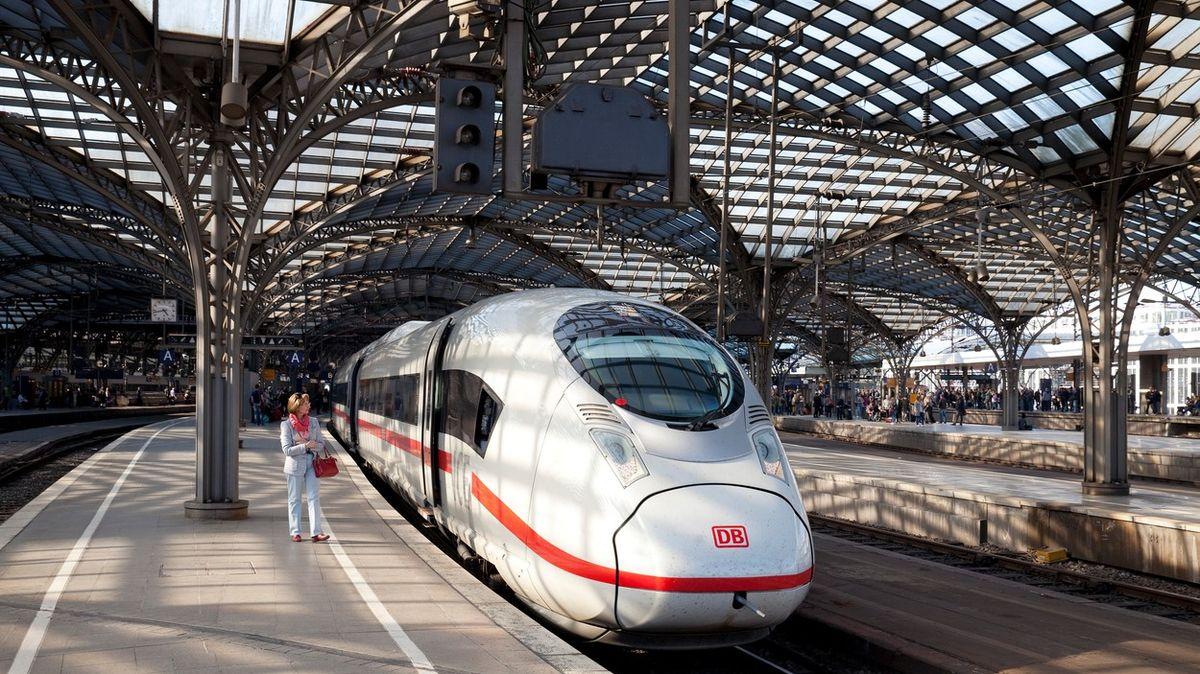 Vlaky místo letadel. 24států EU chce společně rozjet železniční boom