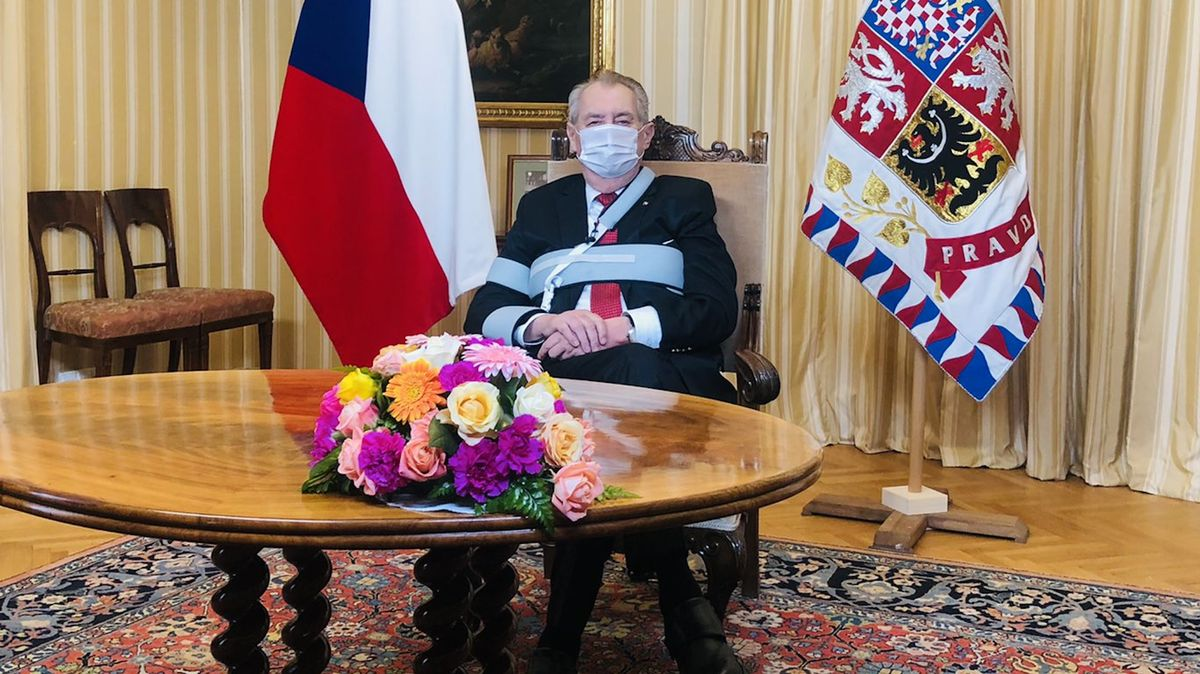 """Miloš Zeman předal """"materiál na Koudelku"""". Nemá zůstat včele BIS, tvrdí"""