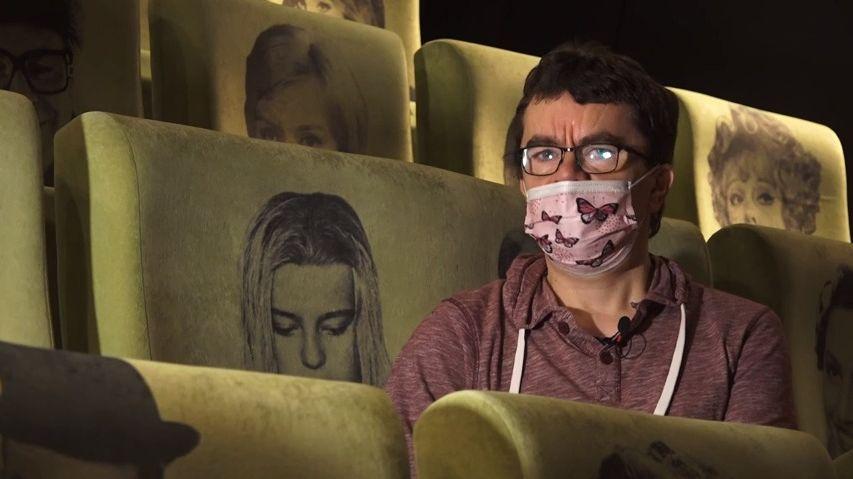 Co se děje vzavřeném kině: Zaměstnanci berou brigády, aby uživili rodiny