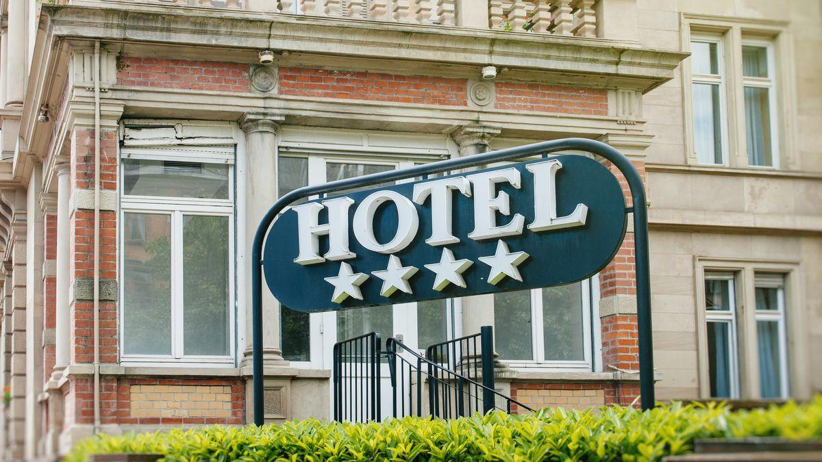 Vtomhle se nedá podnikat. Hoteliéři žalují stát kvůli zákazům provozu