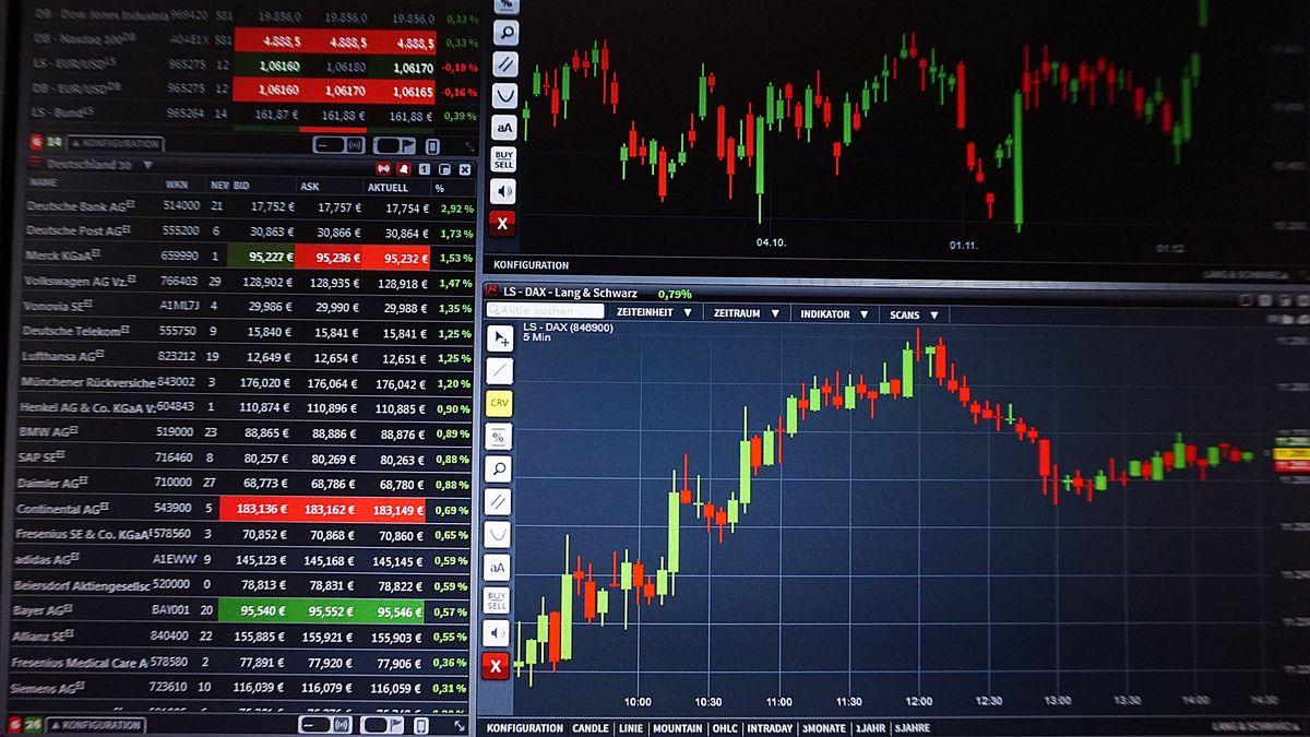 """Houpačka na světových burzách. Vyděsil je """"čínský Lehman Brothers"""""""