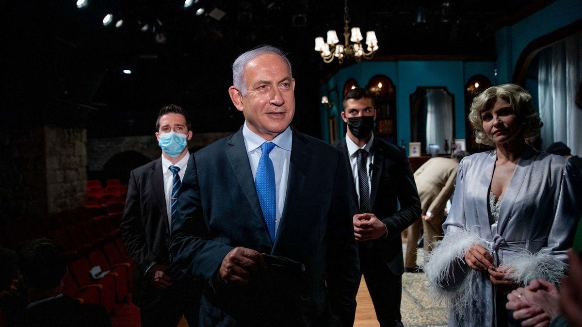 Nejste král, rozdáváte znašeho. Netanjahua kritizují iza vakcíny do Česka