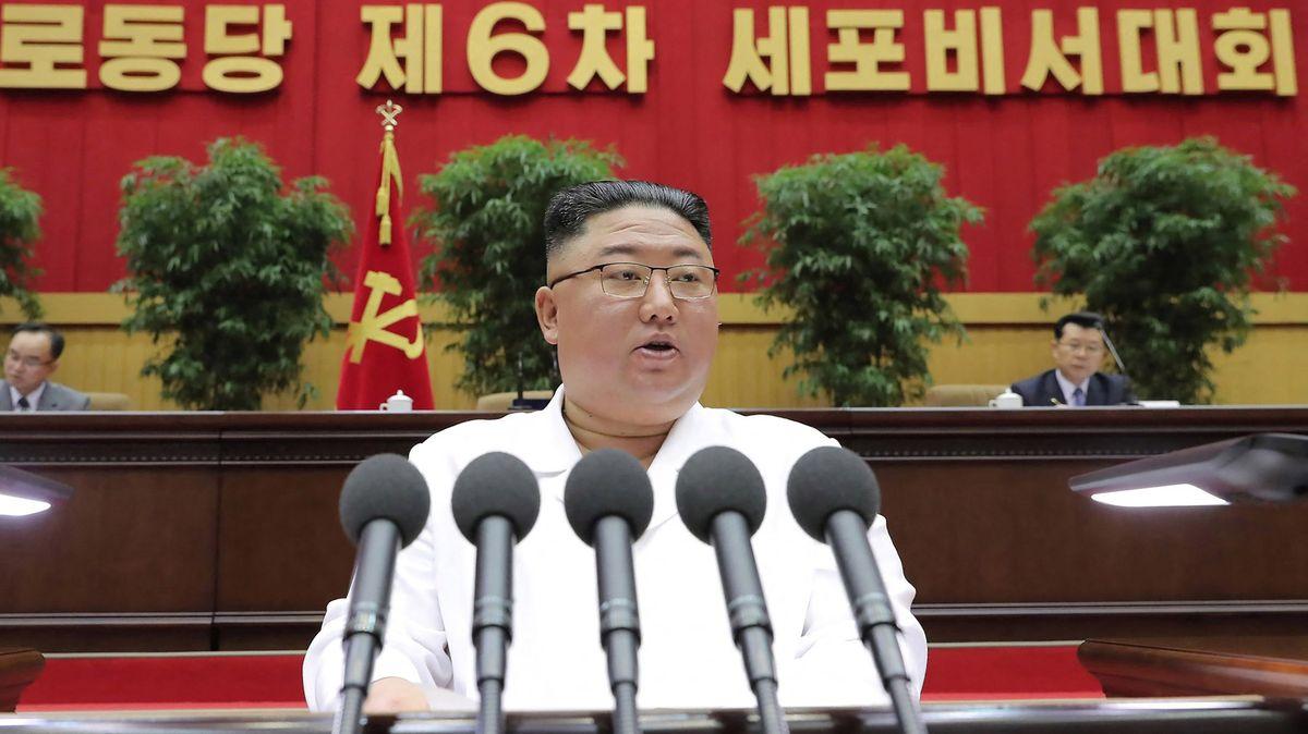Kim Čong-un naznačil, jak špatně je vKLDR. Vzpomněl na historický hladomor