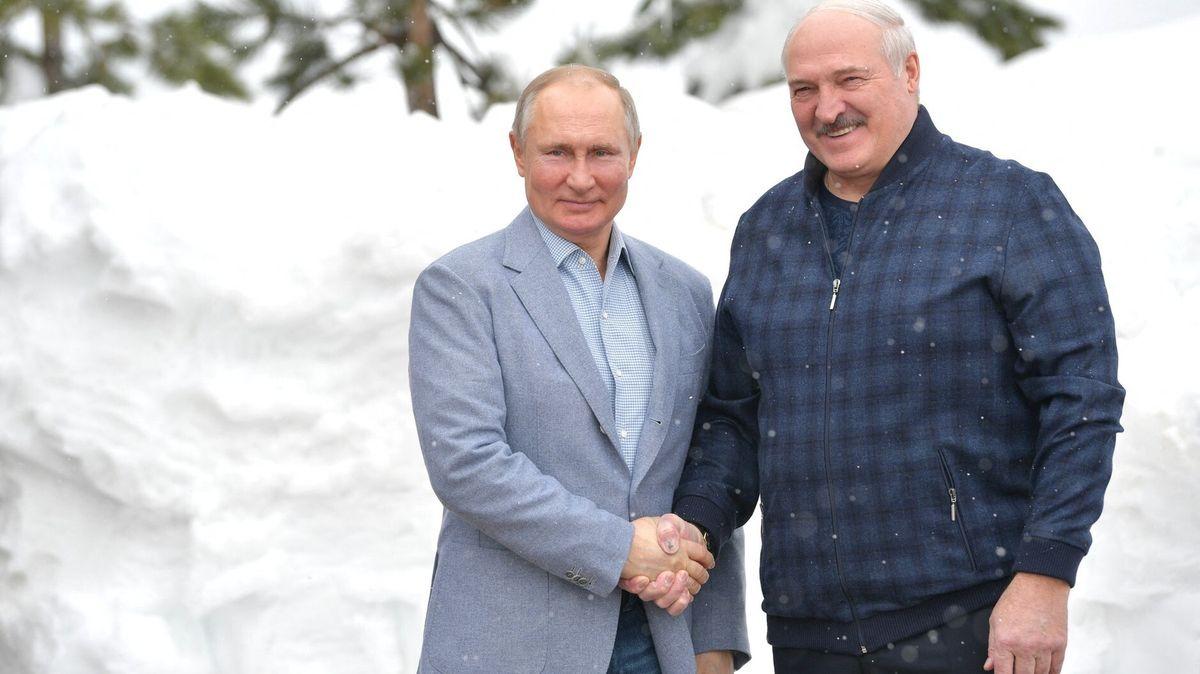 Vrbětice mají zastínit zprávy oatentátu na Lukašenka, píší vRusku