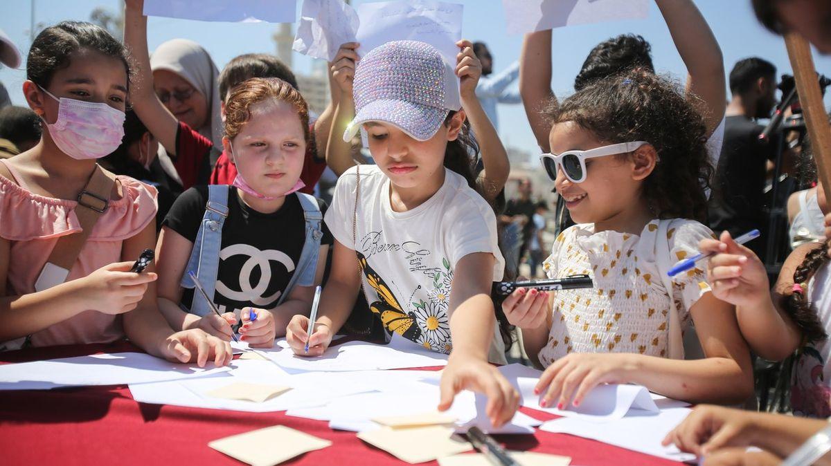 Děti vGaze mají smůlu, čokoláda financuje podle Izraele terorismus Hamásu