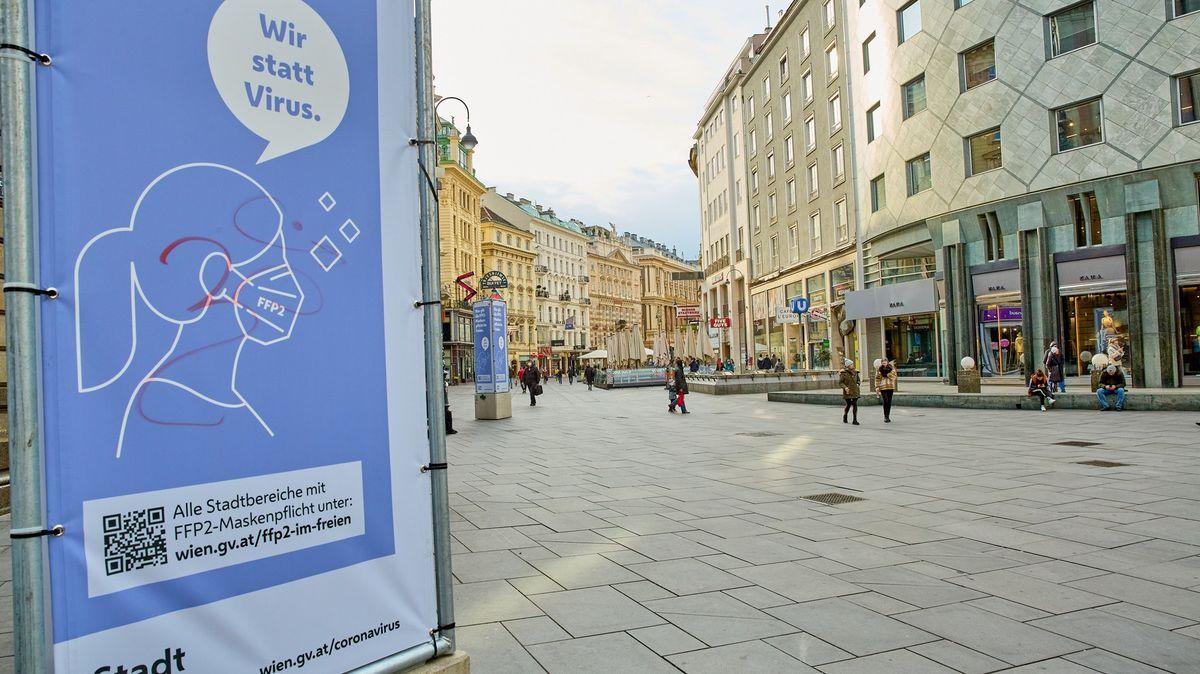 Rakousko přitvrzuje vůči neočkovaným. Cílí ina ty, co přijedou za lyžováním