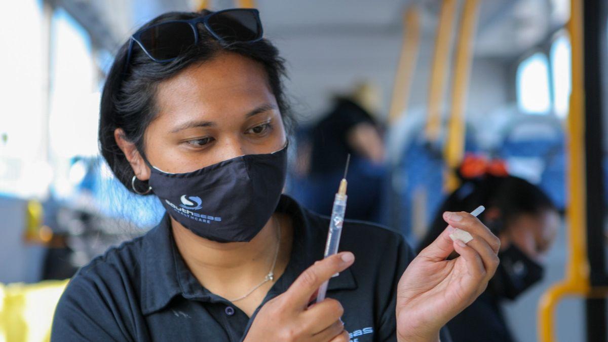 Vboeingu ifast foodu. Nový Zéland rozdal rekordní počet vakcín