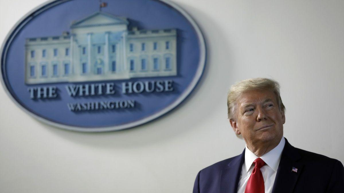 Trump: Pravomoci prezidenta USA jsou neomezené, média falešná
