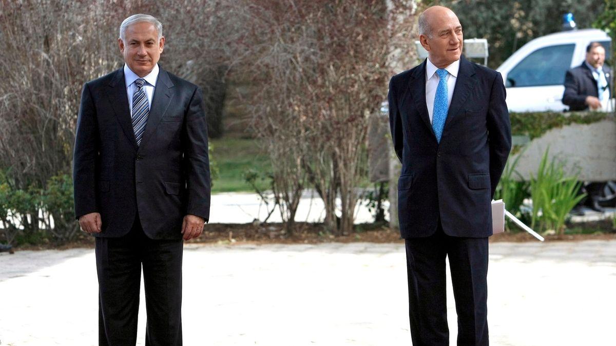 Netanjahu je jako Don Corleone ve filmu Kmotr, říká jeho předchůdce