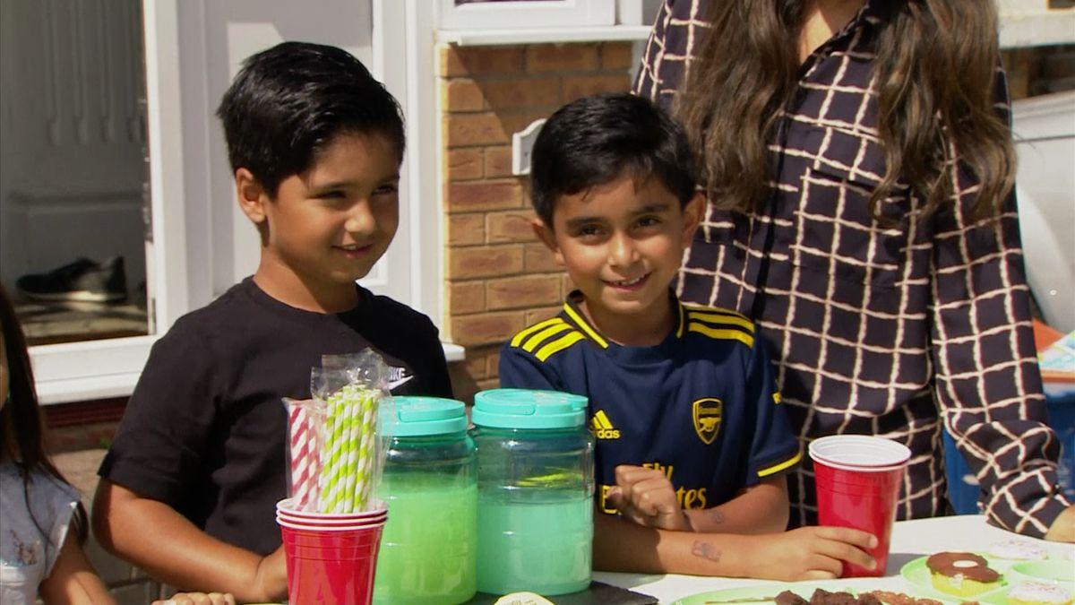 Dva šestiletí vybrali přes milion prodejem limonády na děti vJemenu