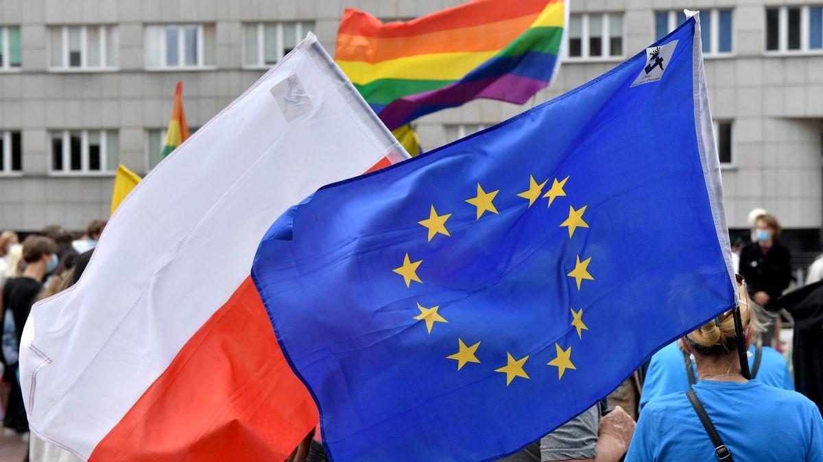 Prohlásili se za LGBT-free zónu, penězům zEU mohou jen zamávat