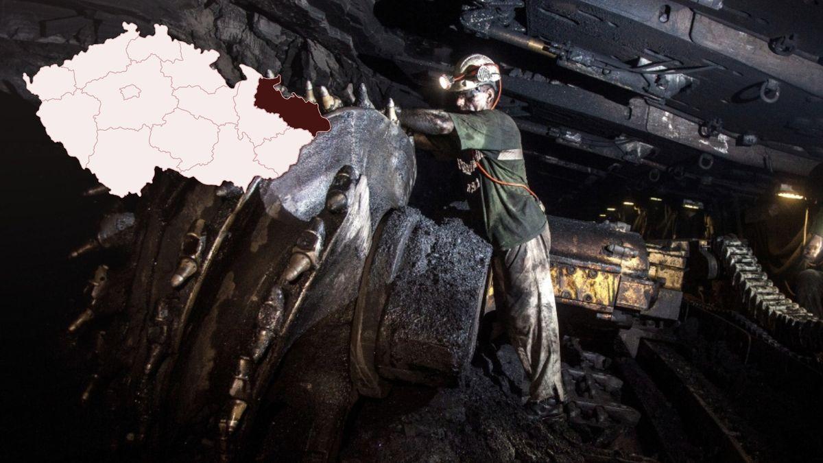 Horníci vyvezou symbolický poslední vozík černého uhlí zDolu ČSA
