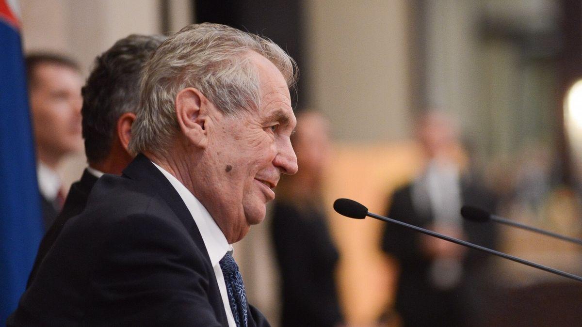Hamáček: Zemanův dopis chápu jako veto daňového balíčku. Ovčáček to odmítá