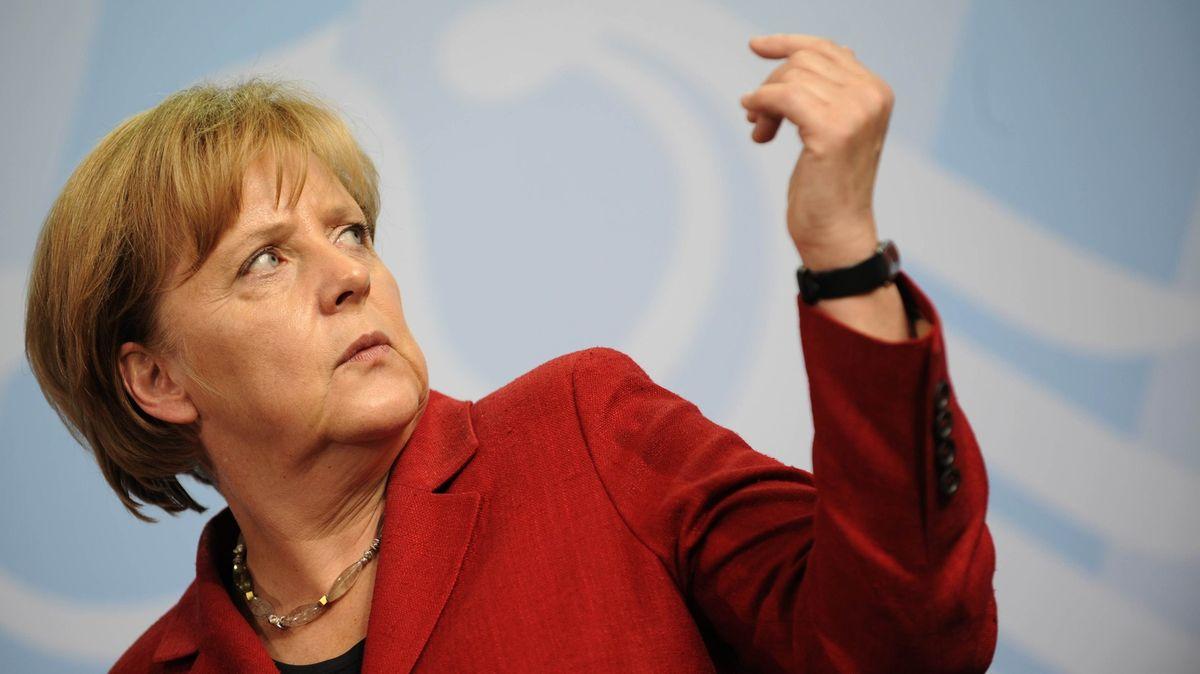 Merkelovou nejde zkorumpovat, říká známý německý novinář