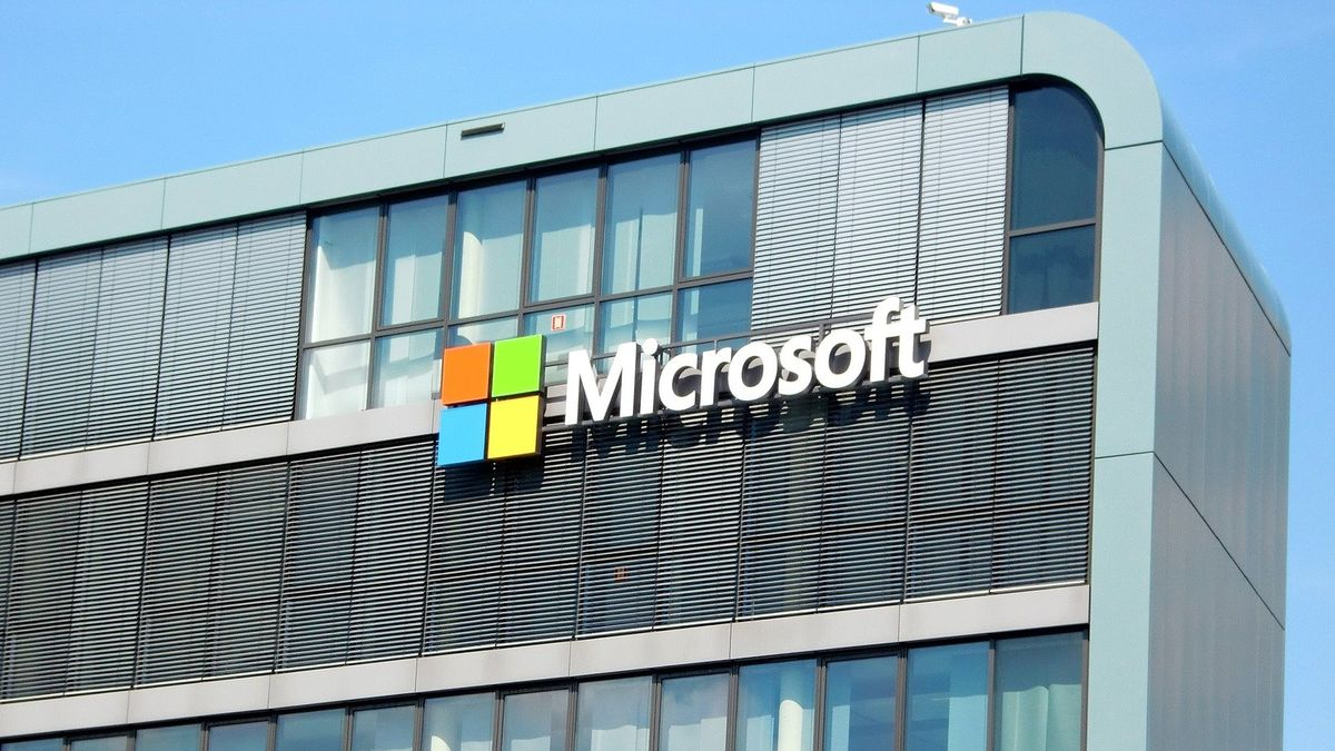 Strojové učení či analýza dat. Microsoft spustil cloud pro banky a průmysl