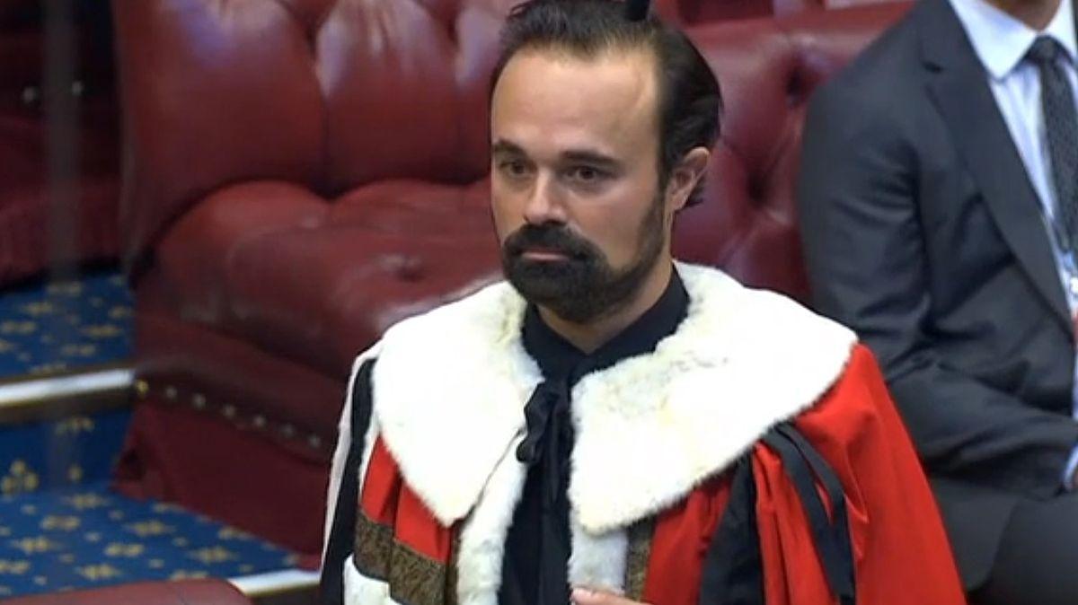 Vbritské Sněmovně lordů usedl baron Lebeděv ze Sibiře