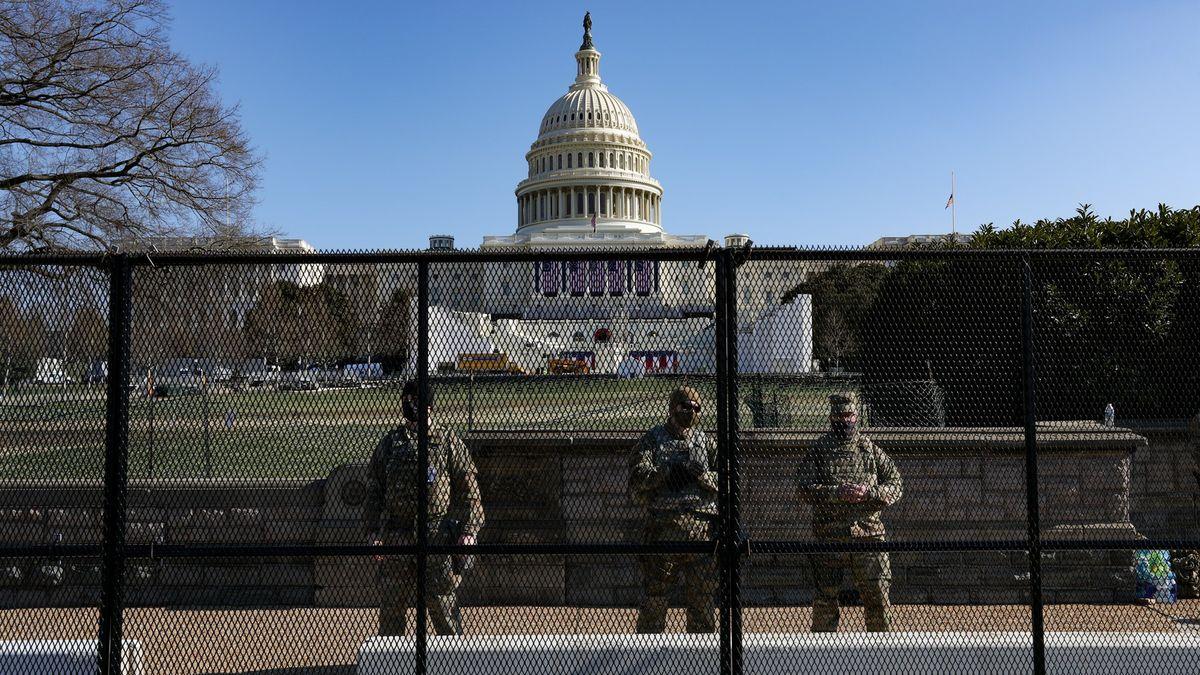 Inaugurace za dveřmi a nervy nadranc. Washington se připravuje na nepokoje