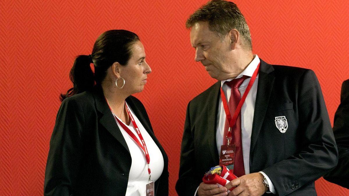 Zkorupce obviněný boss Berbr převádí nemovitosti na Damkovou
