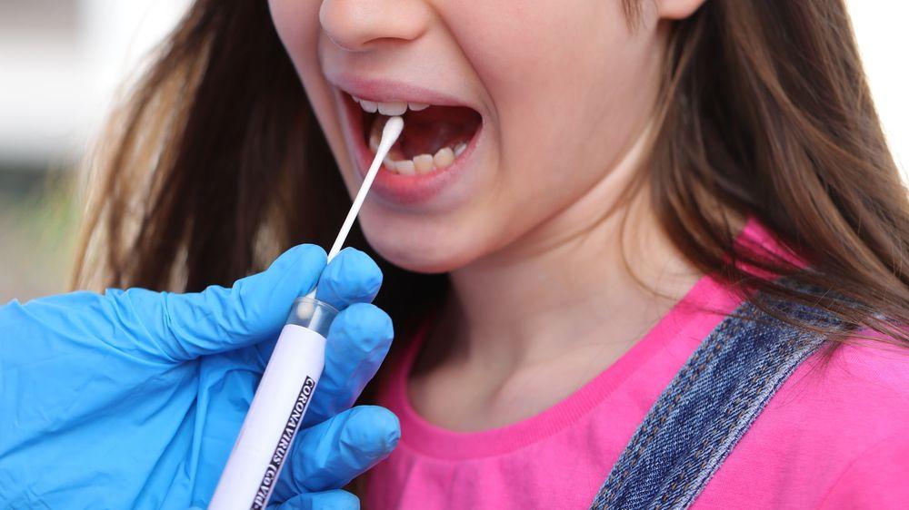 Antimonopolní úřad prověřuje tendr na antigenní testy pro školáky