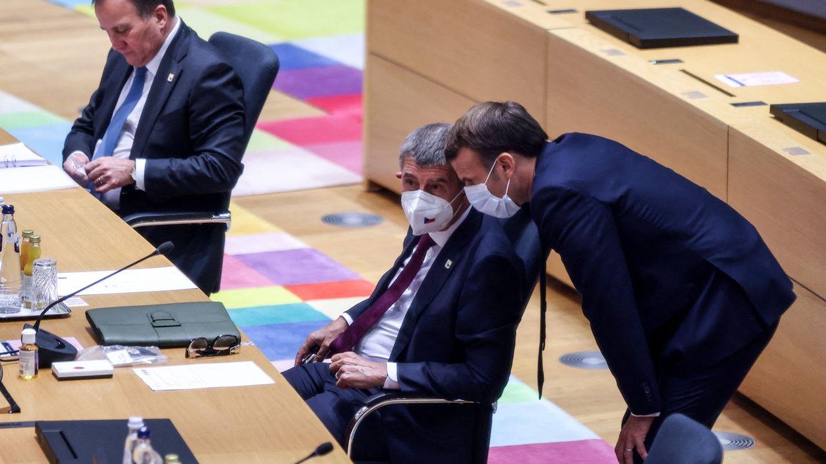 Francie posílá do Česka vakcíny. Sama ale očkuje pomalu