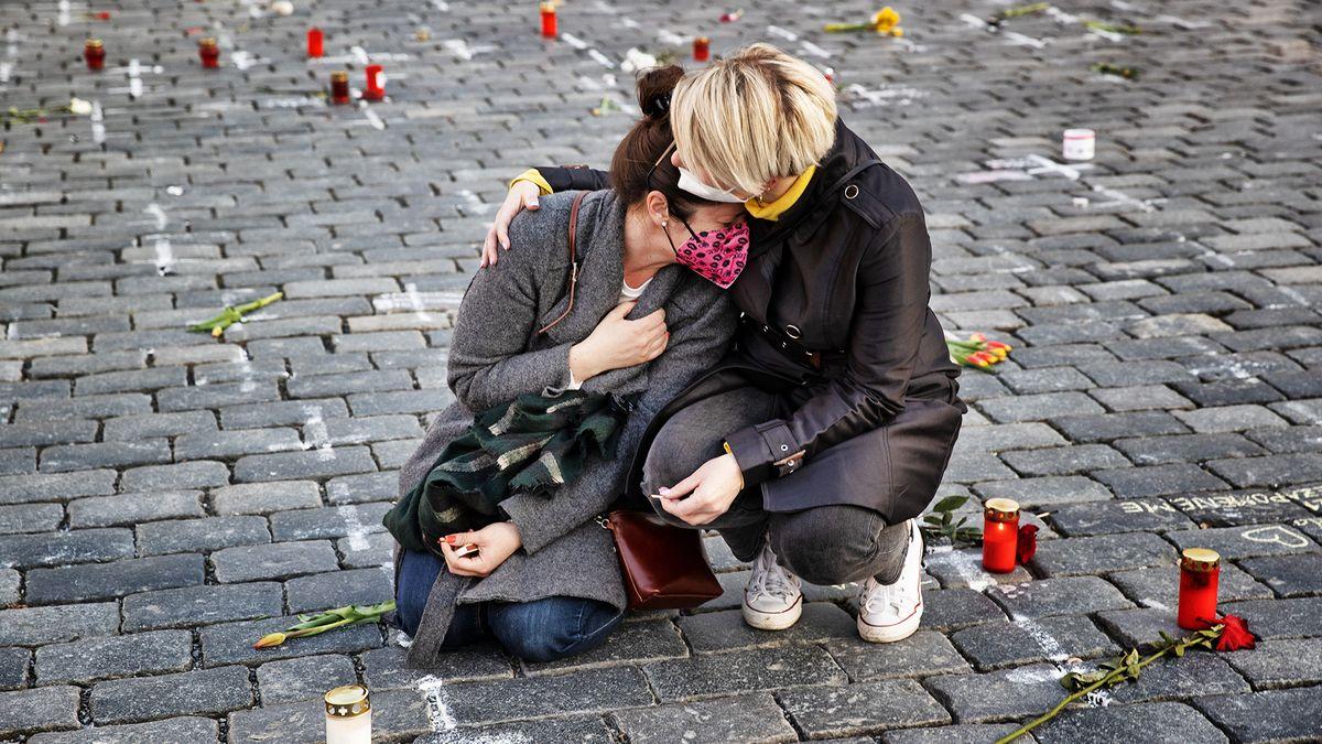 Fotkou měsíce března se stal snímek piety ze Staroměstského náměstí