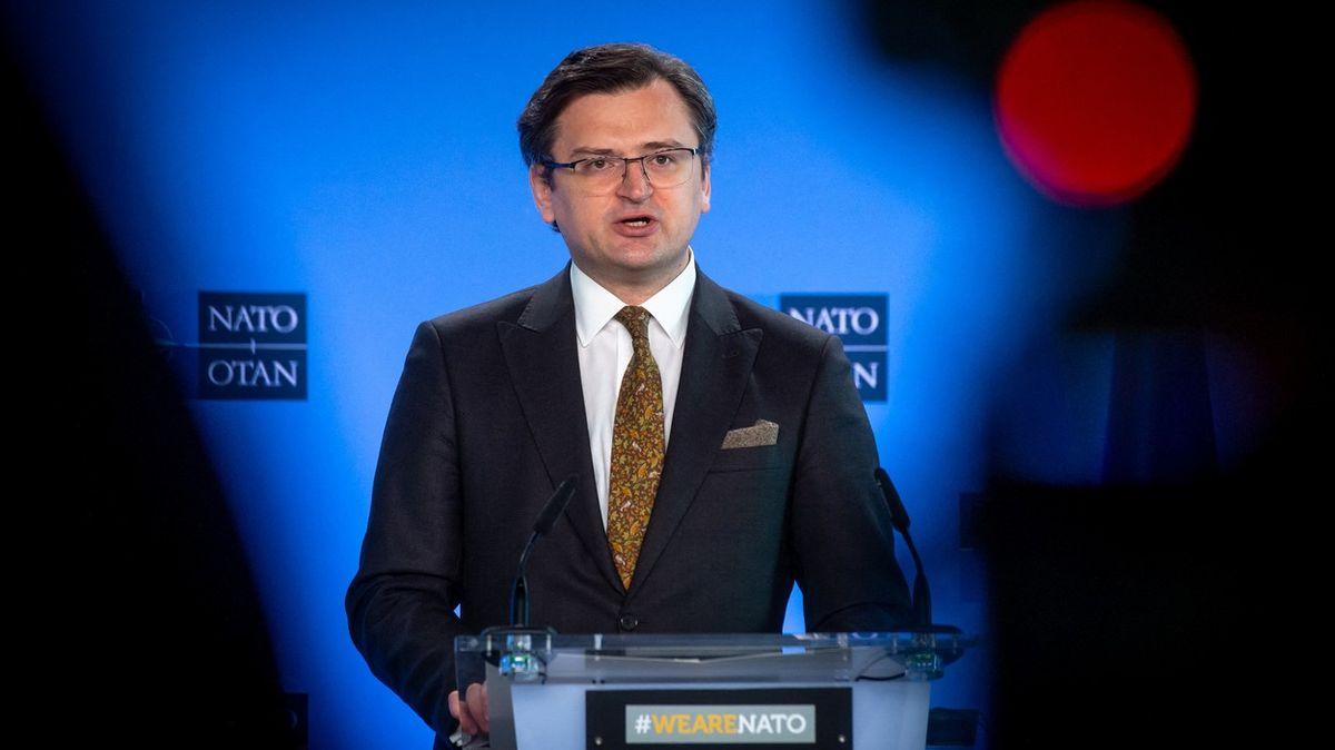 120tisíc ruských vojáků uhranic. Ukrajinský ministr volá po sankcích