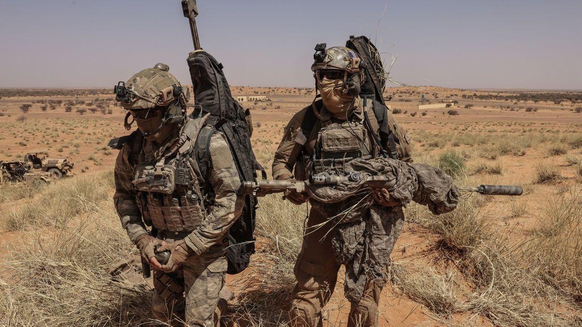 Rusko se tlačí do Mali. Přijdou-li Vágnerovci, končíme, vzkázala Francie