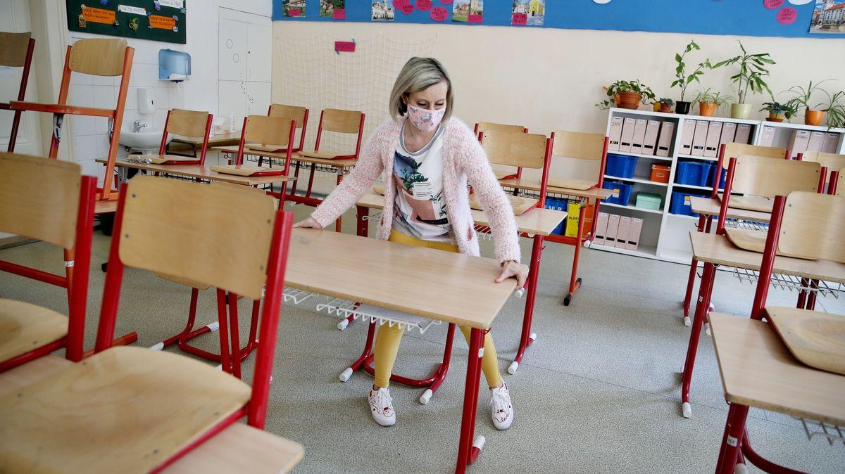 To už mělo být dávno naplánované, kritizují ředitelé škol současný chaos