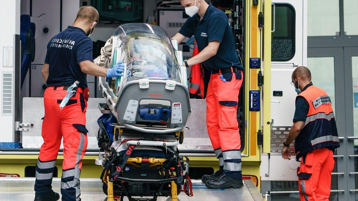 Němečtí lékaři našli uNavalného stopy po otravě. Merkelová žádá vyšetřování