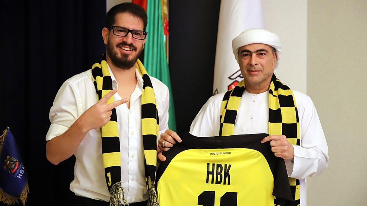 Izraelský klub sprotiarabskými fanoušky koupil arabský investor