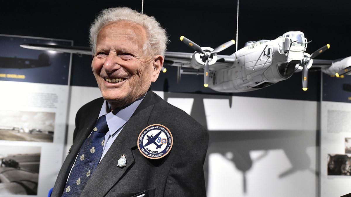 Zemřel válečný veterán Tomáš Lom, bojoval vřadách RAF