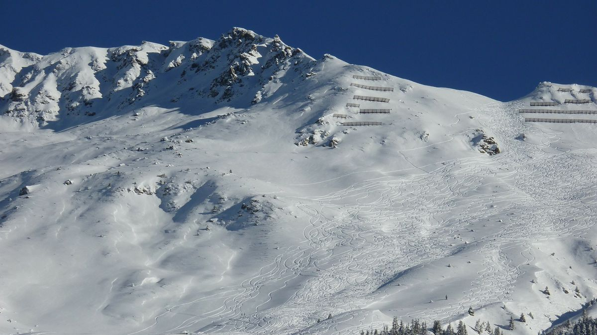 VJeseníkách byl kvůli sněžení vyhlášen třetí lavinový stupeň
