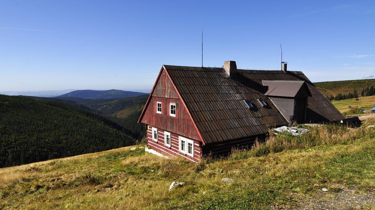 Češi rekordně kupovali chaty a byty, teď za to zaplatí